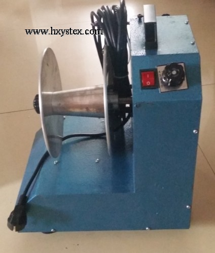 Yarn winder for warp knitting machines